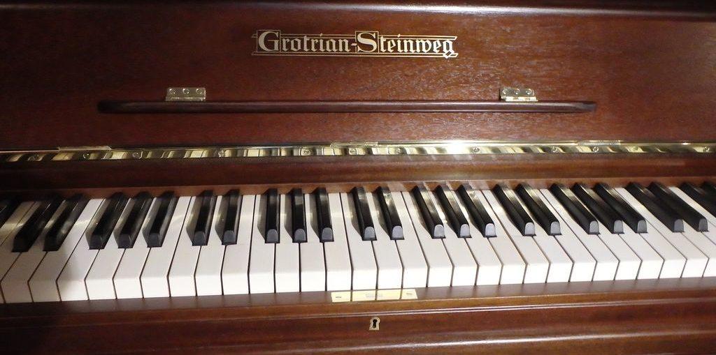 Pianino Grotrian Steinweg